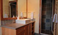Yukimi Bathroom with Shower | Izumikyo 1
