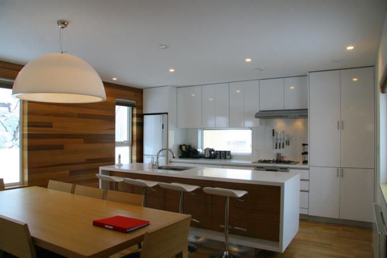 Ezo 365 Kitchen and Dining Area | Lower Hirafu