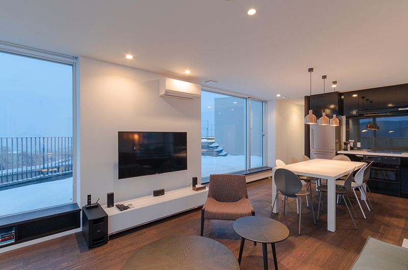 kira kira book report Kira kira niseko brings you modern comfort and all the convenience of city living within walking distance of lifts, entertainment, shopping and dining.