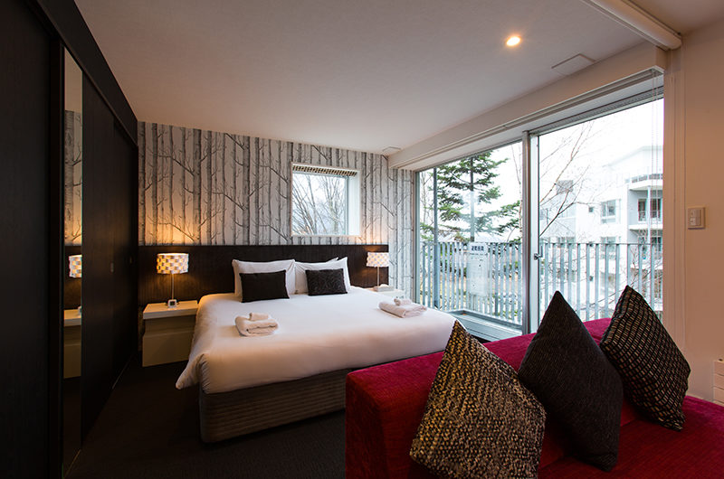 Kira Kira Bedroom with Mirror | Upper Hirafu