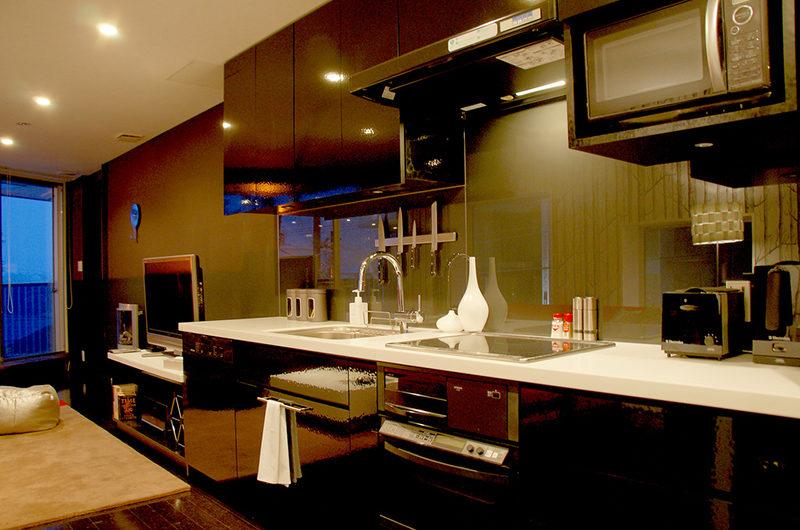 Kira Kira Modular Kitchen | Upper Hirafu
