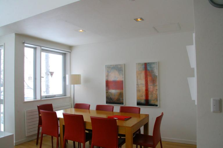 Miharashi Apartnments Dining Area with Wooden Floor | Upper Hirafu