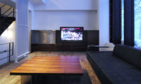 Sekka Kan Lounge Area with Wooden Floor | Middle Hirafu