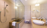 Chalet Ivy Grand Onsen Deluxe Suite with Bathtub | Upper Hirafu