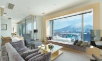 Chalet Ivy Penthouse Living | Upper Hirafu
