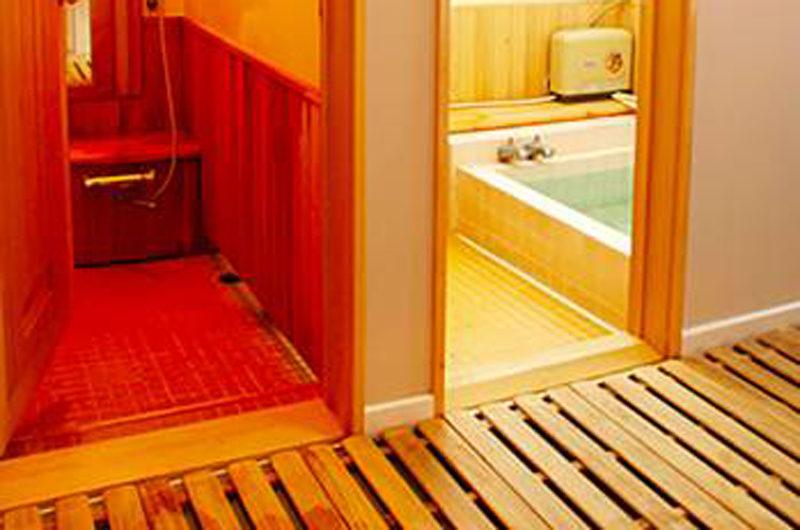 Annupuri Lodge Bathtub | Annupuri