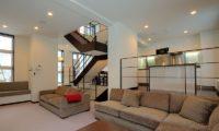 Fubuki Indoor Living Area | Lower Hirafu