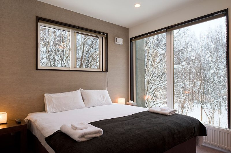Fubuki Bedroom with Outdoor View | Lower Hirafu