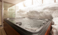 Glasshouse Jacuzzi | Lower Hirafu
