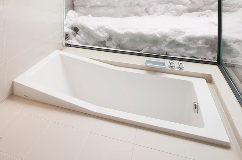 Glasshouse Bathtub | Lower Hirafu