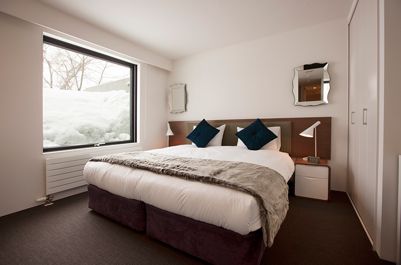 Glasshouse Bedroom with Outdoor View | Lower Hirafu