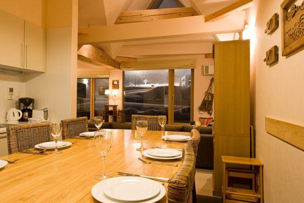 Gondola Chalets Dining Area with Crockery | Upper Hirafu