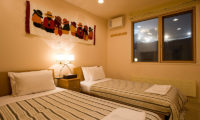 Gondola Chalets Bedroom with Twin Beds | Upper Hirafu