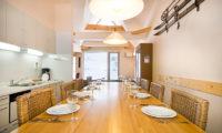 Gondola Chalets Dining Area | Upper Hirafu