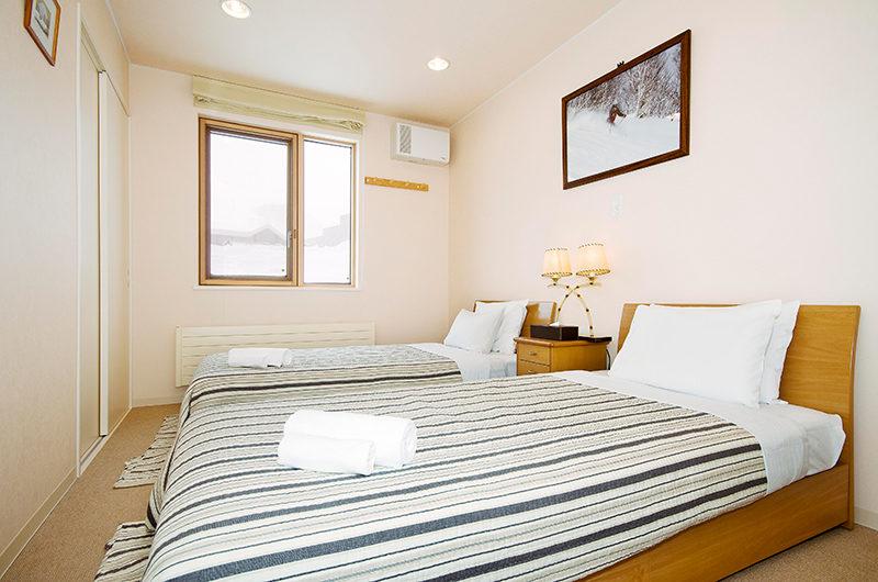 Gondola Chalets Twin Bedroom | Upper Hirafu