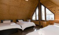 Jindabyne Lodge Bedroom with Triple Beds | East Hirafu