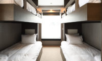 Jun Bunk Beds with Carpet | Lower Hirafu