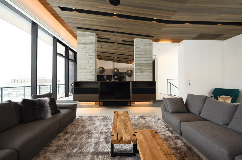Jun Living Area | Lower Hirafu