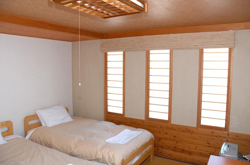 Jurin Cottage Twin Bedroom | East Hirafu
