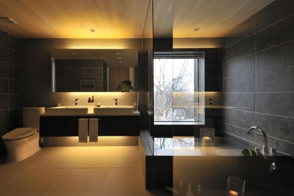 Niseko Kasetsu Romantic Bathtub Set Up at Night | Lower Hirafu