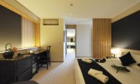 Niseko KasetsuNiseko Kasetsu Bedroom with Study Table | Lower Hirafu