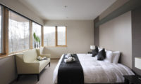 Niseko Kasetsu Bedroom with Sofa | Lower Hirafu