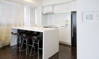 Kizuna One Bedroom Kitchen and Breakfast Bar | Upper Hirafu