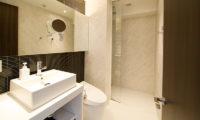 Kizuna One Bedroom Bathroom | Upper Hirafu
