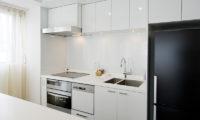 Kizuna Two Bedroom Deluxe Kitchen | Upper Hirafu