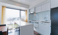 Kizuna Two Bedroom Premium Kitchen | Upper Hirafu