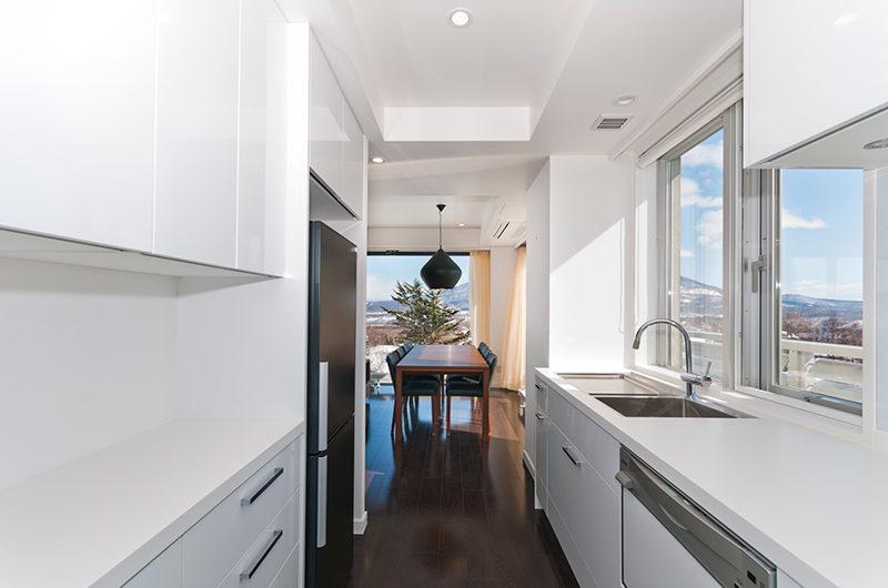 Kizuna Three Bedroom Penthouse Kitchen | Upper Hirafu