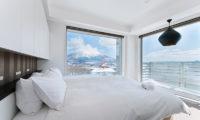 Kizuna Three Bedroom Penthouse Bedroom with Mountain View | Upper Hirafu