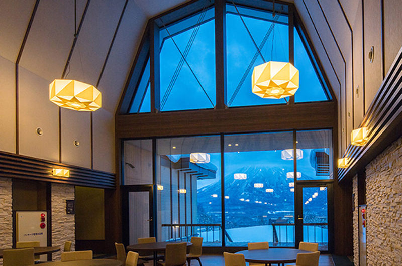 Lodge Hakuunso Dining Area at Night | Upper Hirafu