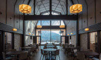Lodge Hakuunso Indoor Dining Area | Upper Hirafu