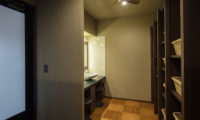 Lodge Hakuunso En-Suite Bathroom | Upper Hirafu