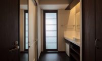 Lodge Hakuunso Bathroom with Wardrobe | Upper Hirafu