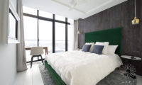 Loft Niseko Bedroom with Outdoor View | Middle Hirafu