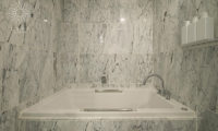 Loft Niseko Bathtub | Middle Hirafu