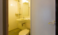 M Lodge Bathroom with Shower | Middle Hirafu Village
