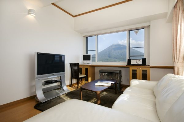 Mountainside Palace TV Room with Mountain View | Upper Hirafu