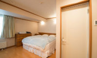 Mountainside Palace King Size Bed | Upper Hirafu