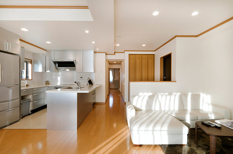 Mountainside Palace Kitchen with Wooden Floor | Upper Hirafu