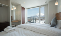 Niseko Landmark View Three Bedroom Premium Bedroom with Mountain View | Upper Hirafu