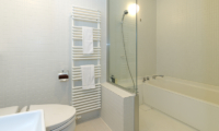 Niseko Landmark View Bathroom with Bathtub | Upper Hirafu