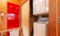 Powder Cottage Laundry Room | Middle Hirafu Village