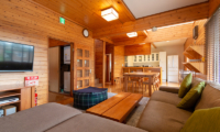 Powder Cottage Living and Dining Area with TV | Middle Hirafu Village