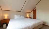 Powder Cottage King Size Bed | Middle Hirafu Village