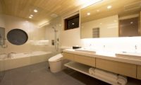 Seshu His and Hers Bathroom with Bathtub | Lower Hirafu