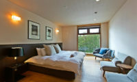 Seshu Twin Bedroom with King Size Bed | Lower Hirafu