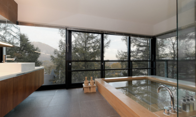 Setsugetsu Terrace En-Suite Bathroom with View | Middle Hirafu